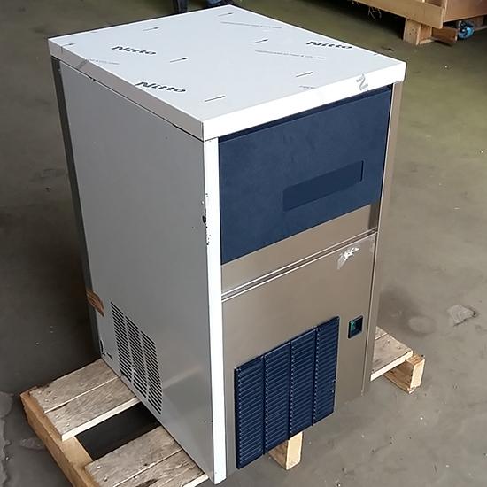 Eiswürfelbereiter, Wasserkühlung, 32 kg/24 h - GEBRAUCHT
